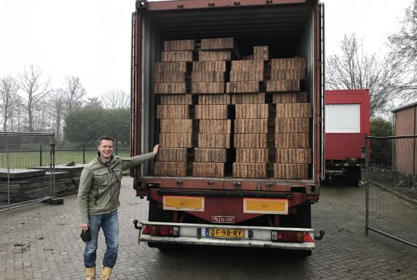 First Crane mats arrive in The Netherlands